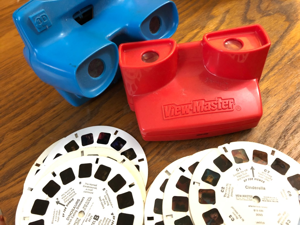 View-Master stereoscopic viewers and reels